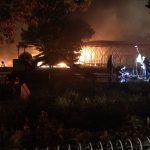 西武遊園地の火災場所はどこ?深夜の炎上は何が原因?放火の可能性は?