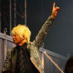 THE MUSIC DAY(ミュージックデイ)金髪の指揮者は誰?気になる方が続出中!