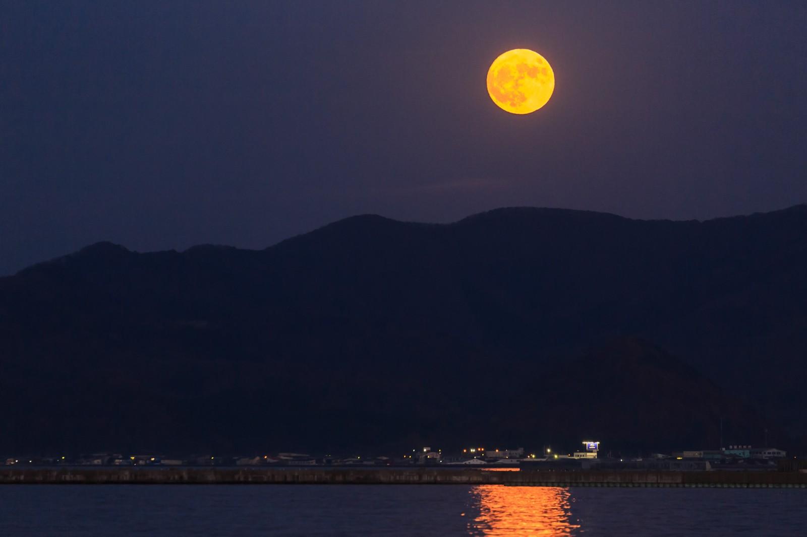 中秋の名月 いつ 天気 画像
